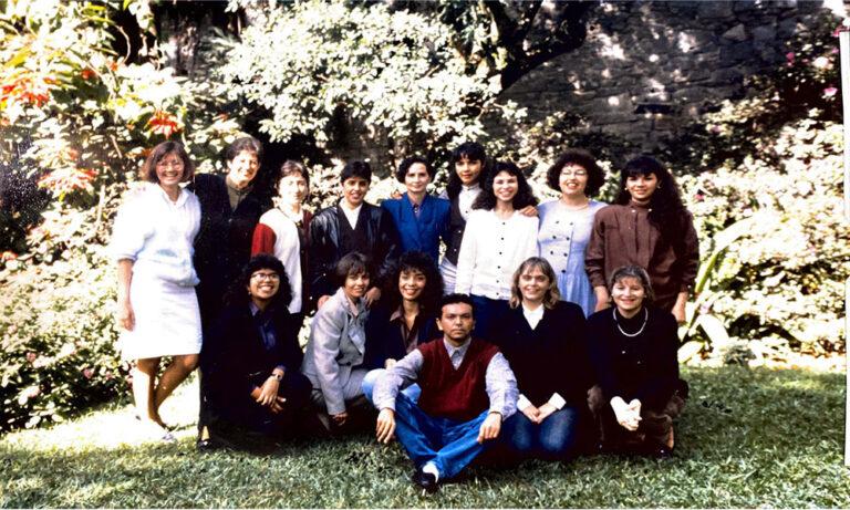 Foto em grupo da quarta turma de estomaterapia da EEUSP, em 1993.